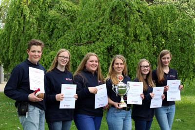 Die siegreiche erste Mannschaft der Schulen der Brede Brakel (v.l.): Timon Darley, Rahel Tewes, Lara Lohr, Sarah Gehle, Paulina Lüke und Hannah Schulze.