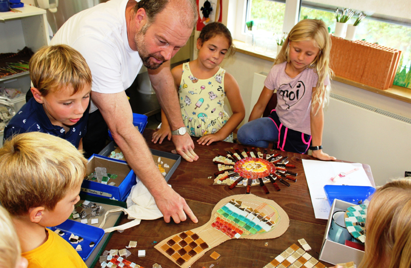 """An der Montessori Grundschule in Salzkotten findet das Projekt """"Wir sind Feuer, Erde, Wasser & Luft"""