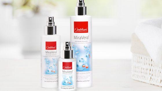 Drei Sprayflaschen