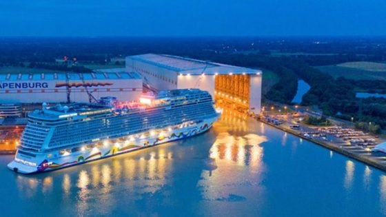 Erfolgreiches Ausdocken: Norwegian Encore verlässt die Meyer Werft