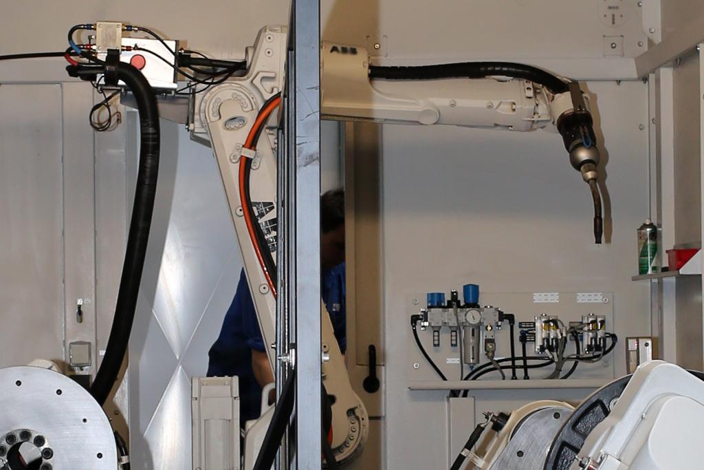 Schweisskabine mit Roboterarm