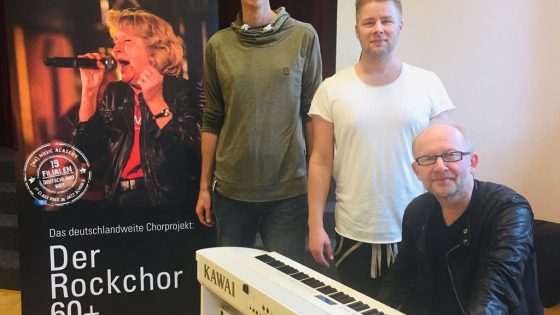 Dieter Falk am Keyboard.