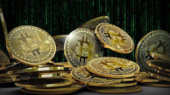 Bitcoin als goldglitzernde Münzen