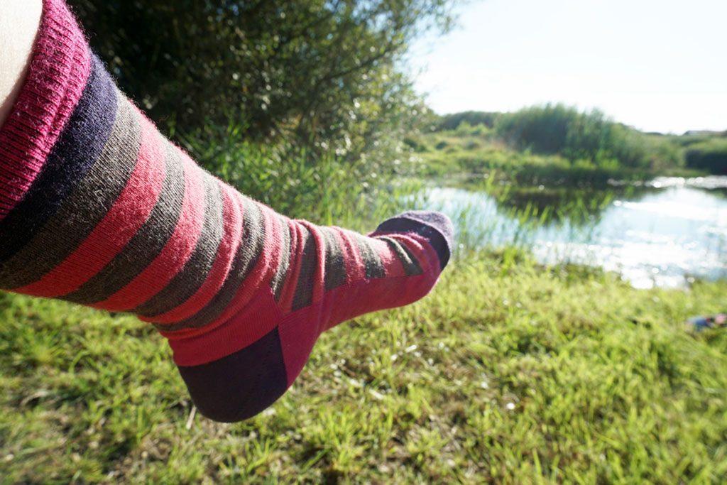 Ein Bein mit Socke