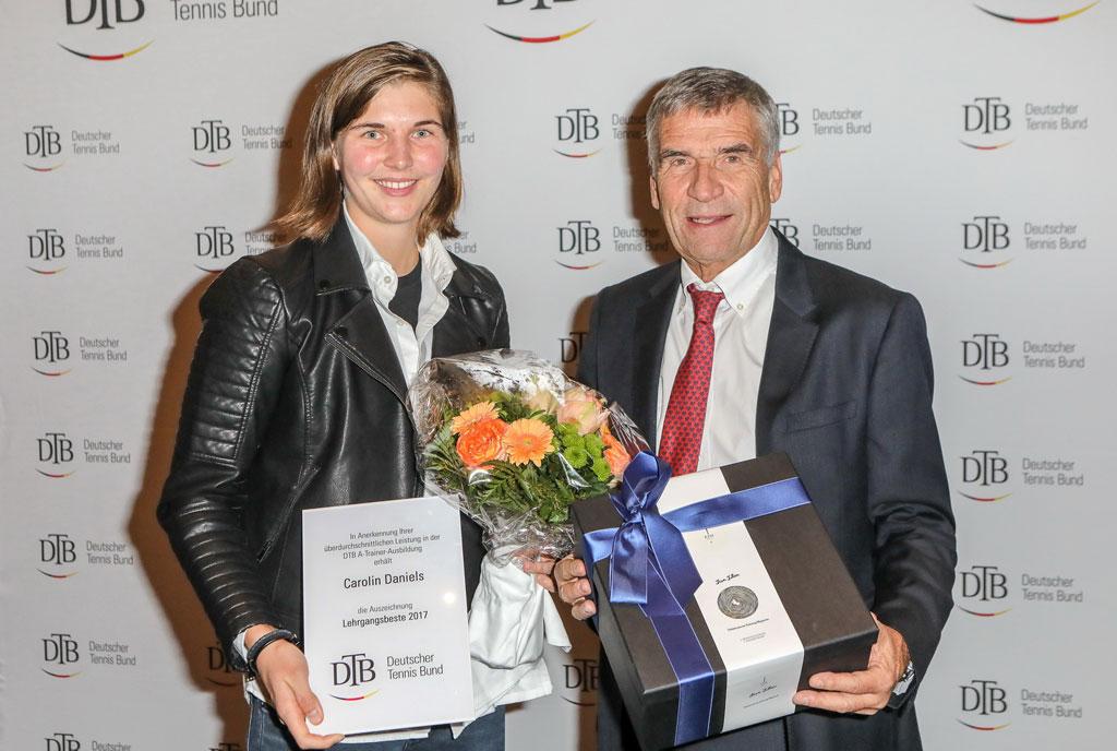 Carolin Daniels und DTB-Präsident Ulrich Klaus