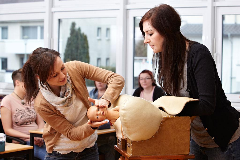 Hebammenausbildung in Paderborn gesichert
