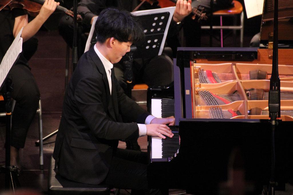 Pianist am Klavier